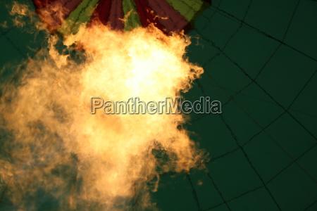 flammen im heissluftballon