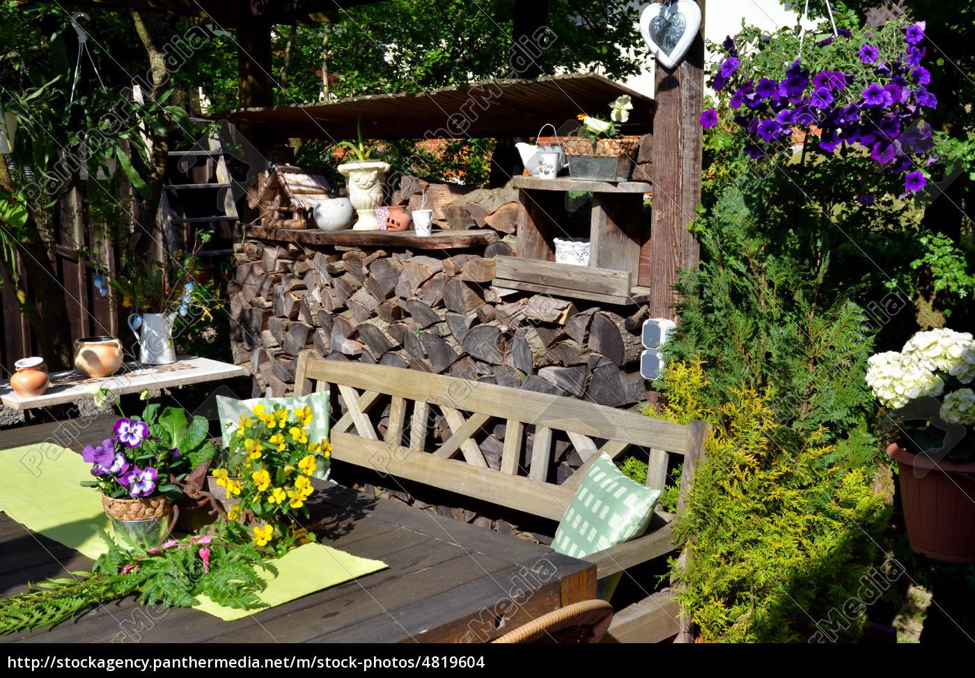 Lizenzfreies Foto 4819604 Romantischer Garten Terrasse Dekoration