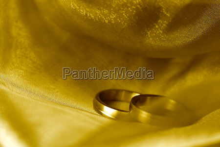 wedding rings on silk cloth