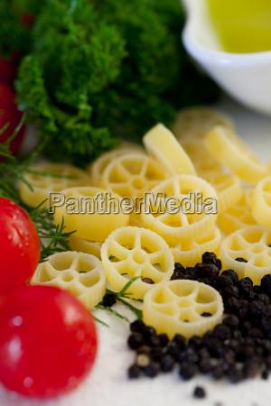 nudelgericht italienisch zubereiten