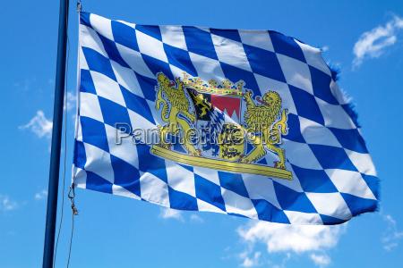 agitando la bandera de baviera