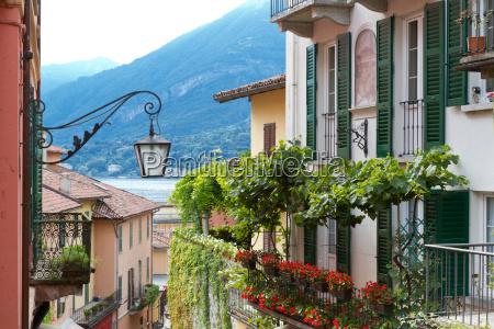 typisches wohnhaus am comer see norditalien