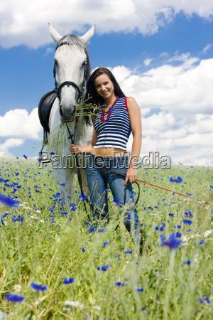reiten, mit, einem, pferd, auf, wiese - 5380447