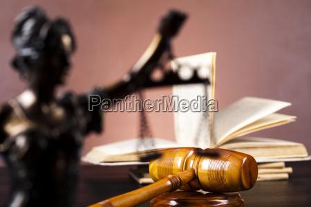 justice statue recht