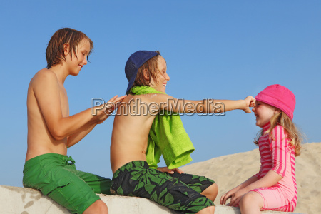 summer vacation kids with sun protection