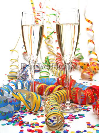 luftschlange konfetti champagner