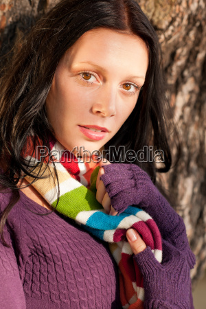 frau mode farbe braun braeunlich bruenett