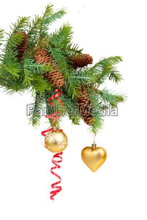 weihnachtskonzept mit kugeln auf weiss