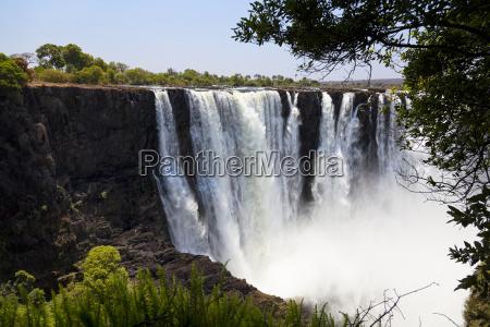 victoria faelle in simbabwe