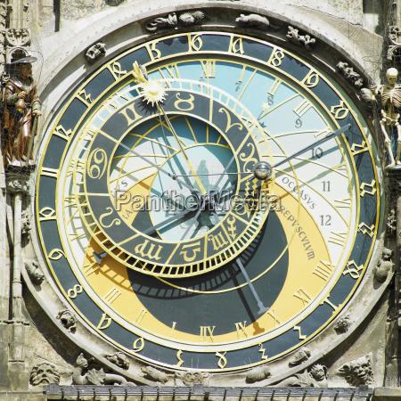 detail von horloge altes rathaus prag