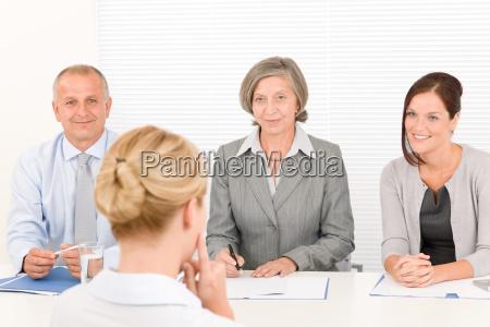 job interview junge frau mit business