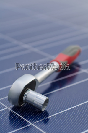 solar cells and ratchet