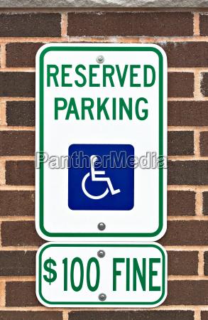 behindert parkend warnung parken unterschreiben mahnung