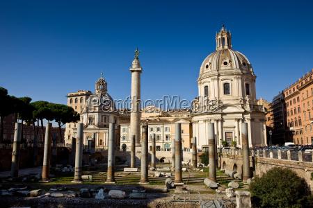 kirche im traian forum rom