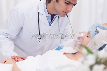arzt die pruefung intensivpatienten