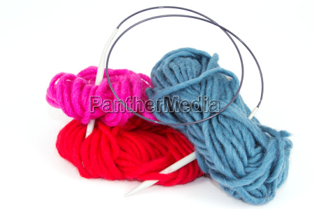 wool with knitting needle