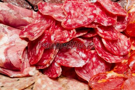 eine menge spanischer serrano schinken iberico