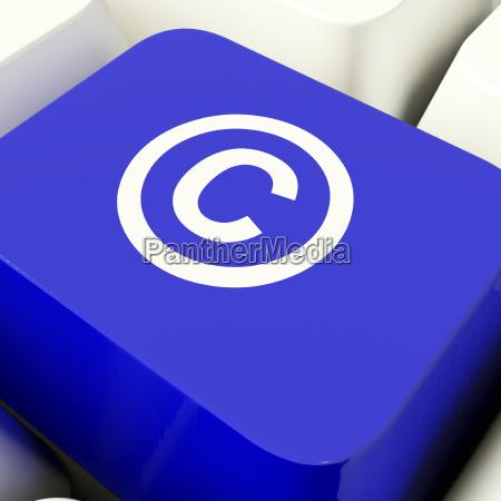 urheberrecht computertaste in blue angezeigt patent