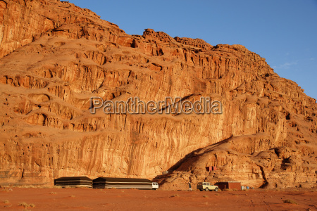 tended camp in wadi rum