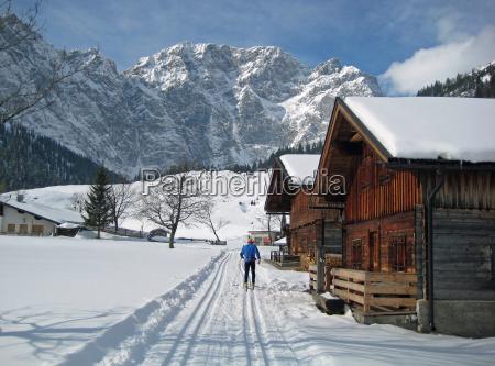 langlaufen sport winter loipe langlaeufer