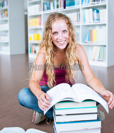 studieren studium bibliothek buecherei student universitaet