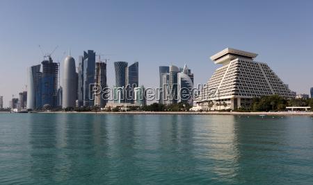 skyline des neuen doha downttown distrikts