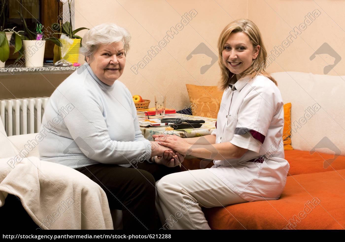 altenpflegerin, macht, hausbesuch - 6212288