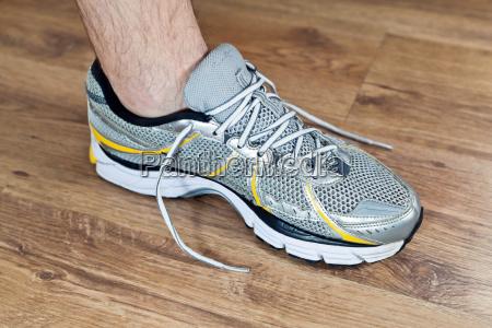 sport shoe tying