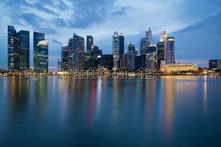 singapur stadt skyline an der blauen