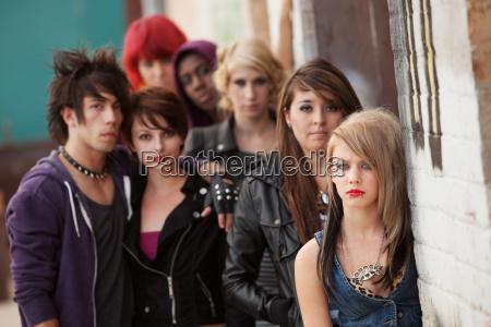 ernste jugendlich punk gruppe