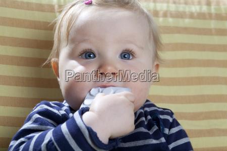 gefahr gefahren gefaehrdung baby saeugling mittel