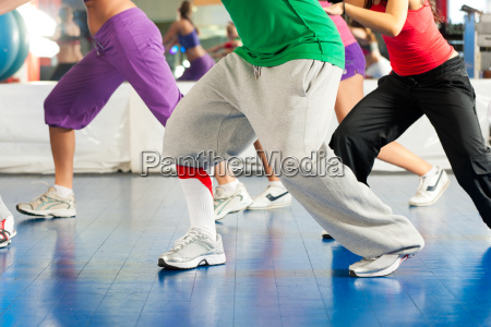 fitness zumba training und workout