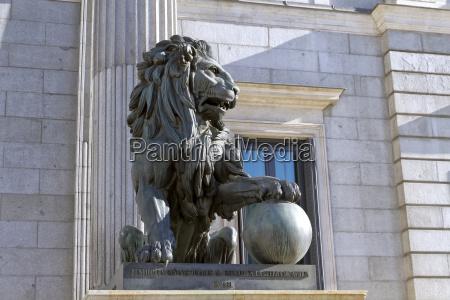 fahrt reisen stadt kultur oeffentlich statue