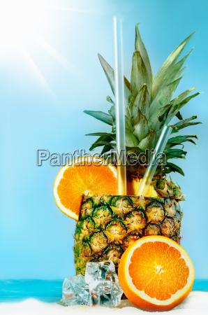 ananas mit orangen und tubuli