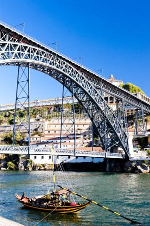 bruecke dom luis i porto portugal