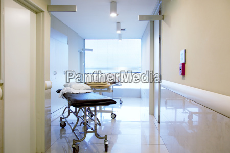 el hospital interior pasillo