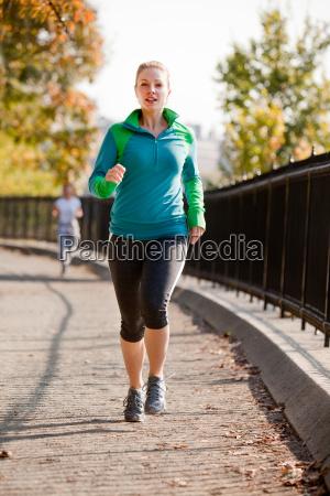 woman jog