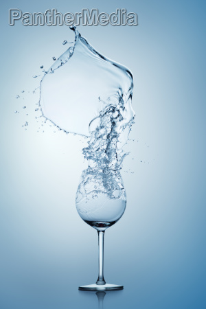 water splash in wine glass