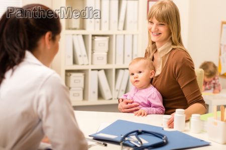 mother with baby visit pediatrician for