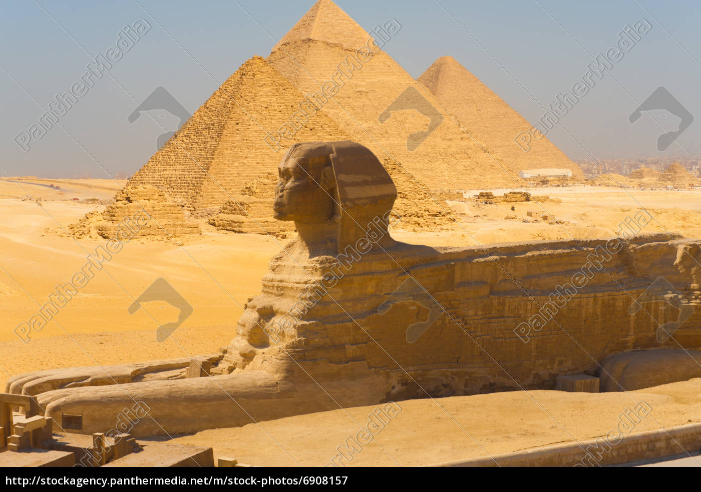 sphinx seitenansicht pyramidengiza verbund stockfoto. Black Bedroom Furniture Sets. Home Design Ideas