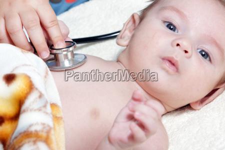 arzt mediziner medikus baby saeugling klinik