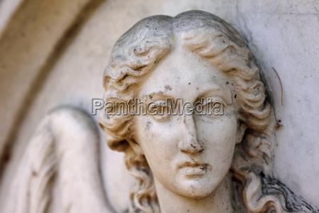 engelrelief grabstein friedhof hameln