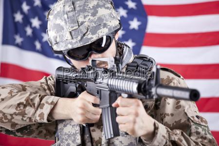 amerikanischer soldat schiessen