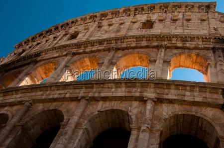 antike roemische amphitheater kolosseum rom