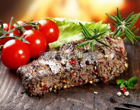 succulent tender peppered steak