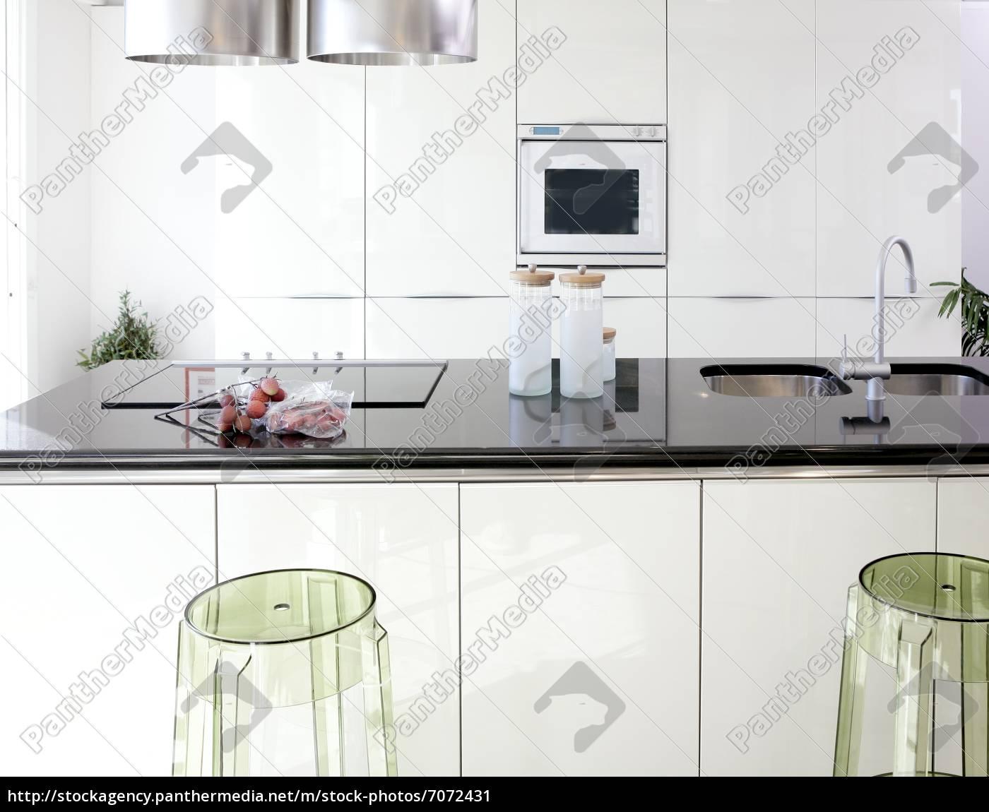 moderne weiße küche saubere innenarchitektur - Stockfoto - #7072431 ...