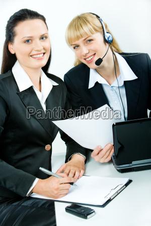 frau telefon telephon laptop notebook computer