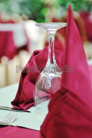 restaurant glas becher trinkgefaess kelch essen