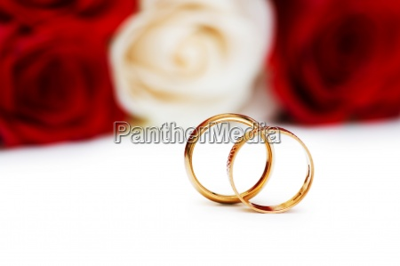 wedding concept with roses and golden