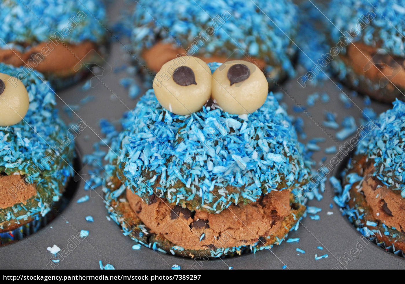 stockfoto 7389297 monster muffins